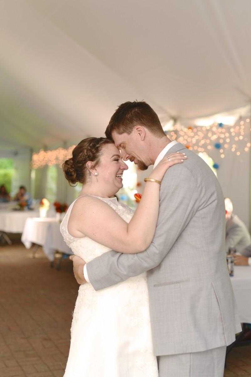 BridesbyYoung-RealBride-PlusSizeCurvyWeddingDress-MariyaChris-25.jpg