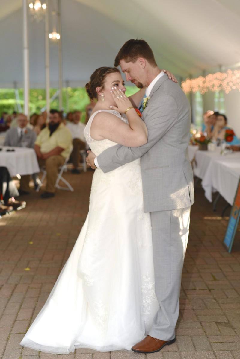 BridesbyYoung-RealBride-PlusSizeCurvyWeddingDress-MariyaChris-24.jpg