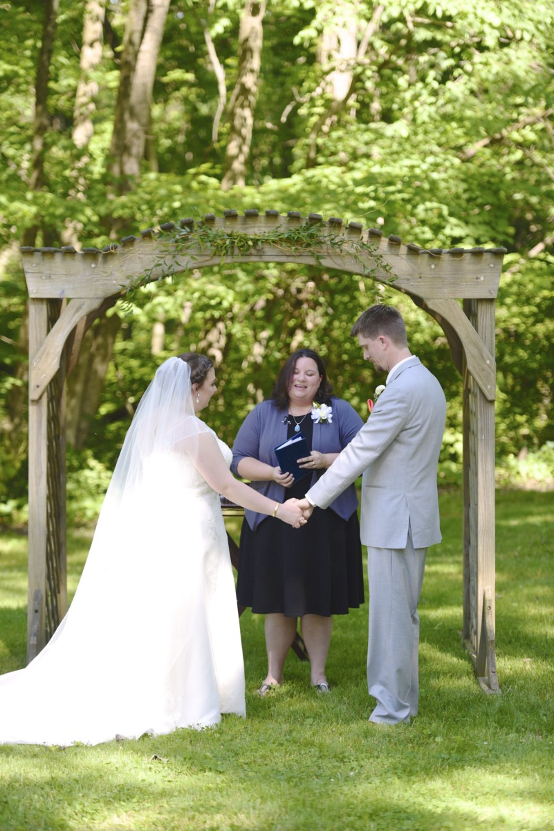 BridesbyYoung-RealBride-PlusSizeCurvyWeddingDress-MariyaChris-12.jpg
