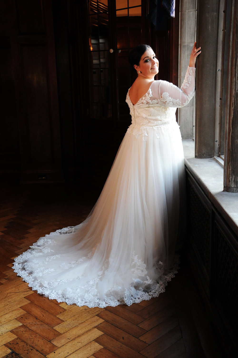 BridesbyYoung-IndianapolisIndianaSchaumburgChicagoIllinois-CurvyPlusSizeBridalStore-PrivateCollection-5.JPG