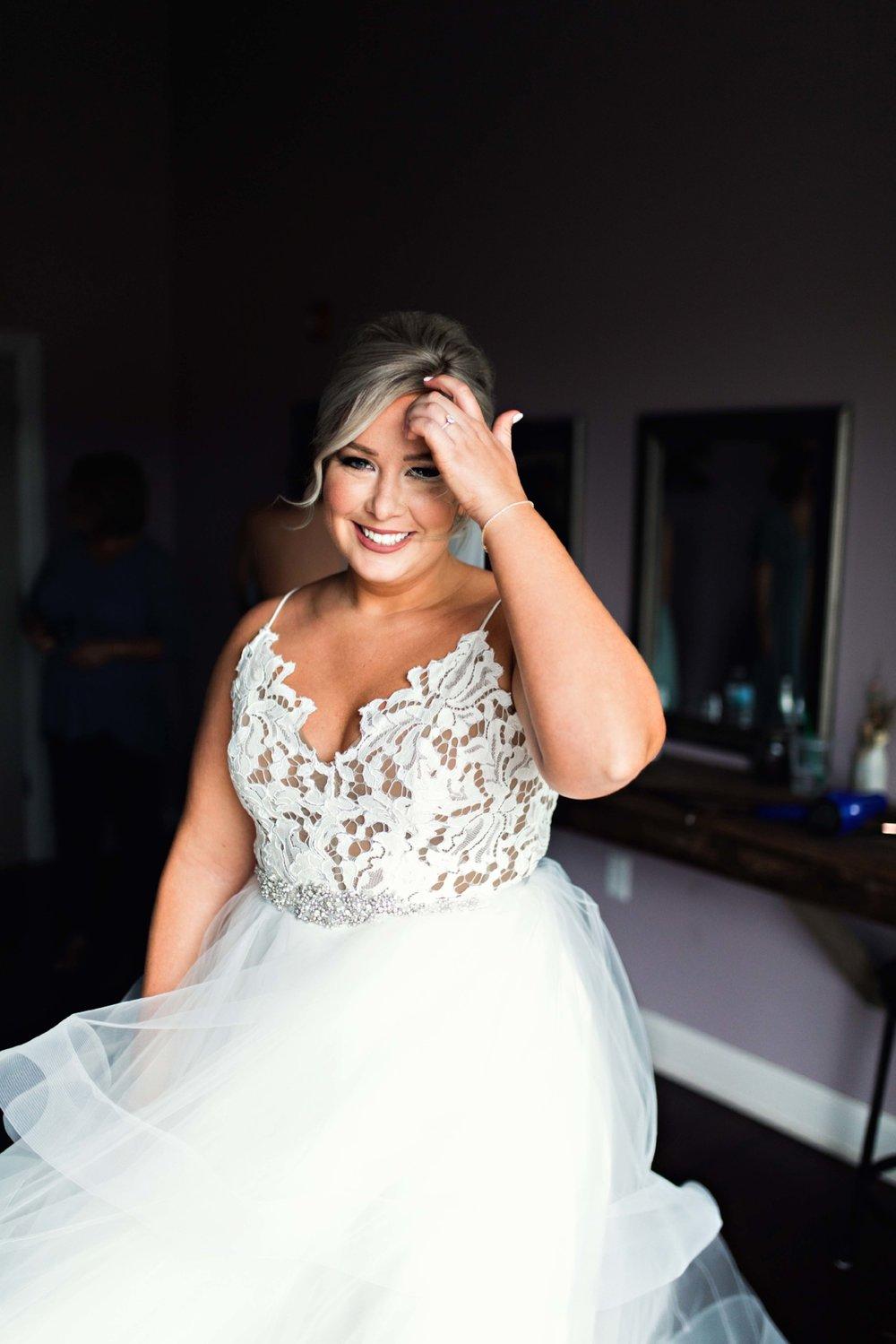 BridesbyYoung-Curvy-BlushHayleyPaige-Madi-Wedding-Inspiration-5.jpg