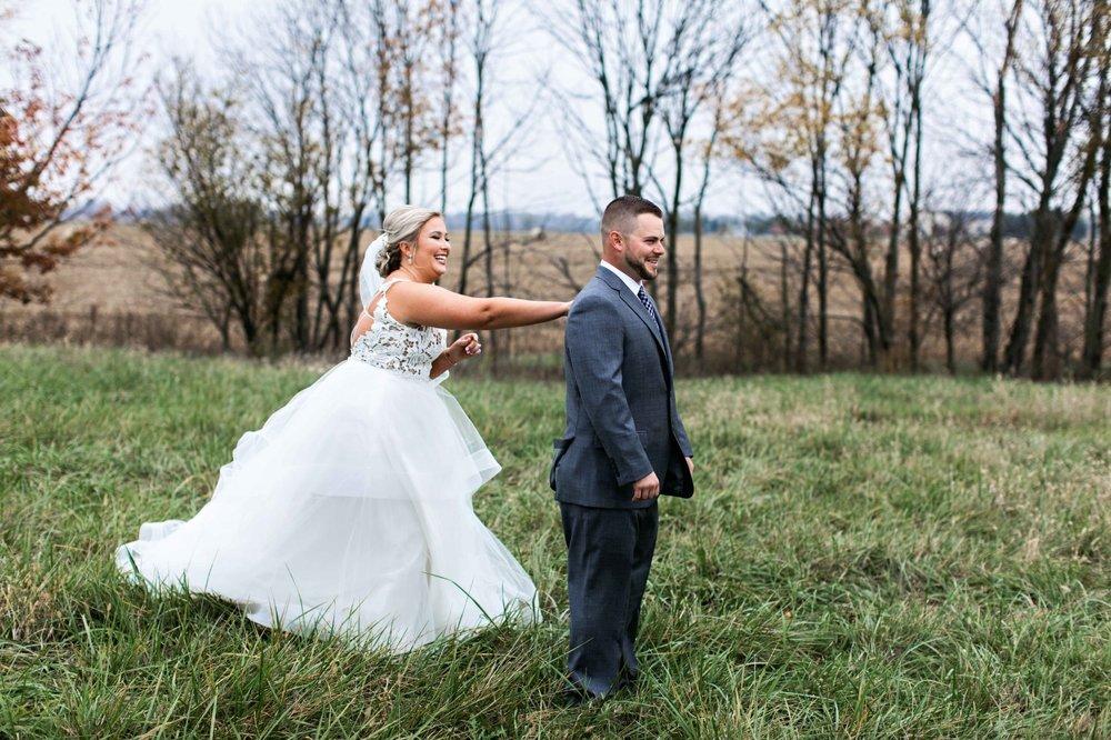 BridesbyYoung-Curvy-BlushHayleyPaige-Madi-Wedding-Inspiration-6.jpg