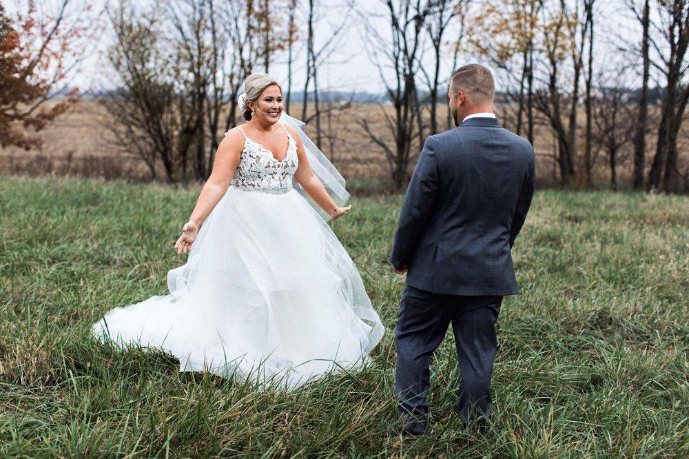 BridesbyYoung-Curvy-BlushHayleyPaige-Madi-Wedding-Inspiration-7.jpg