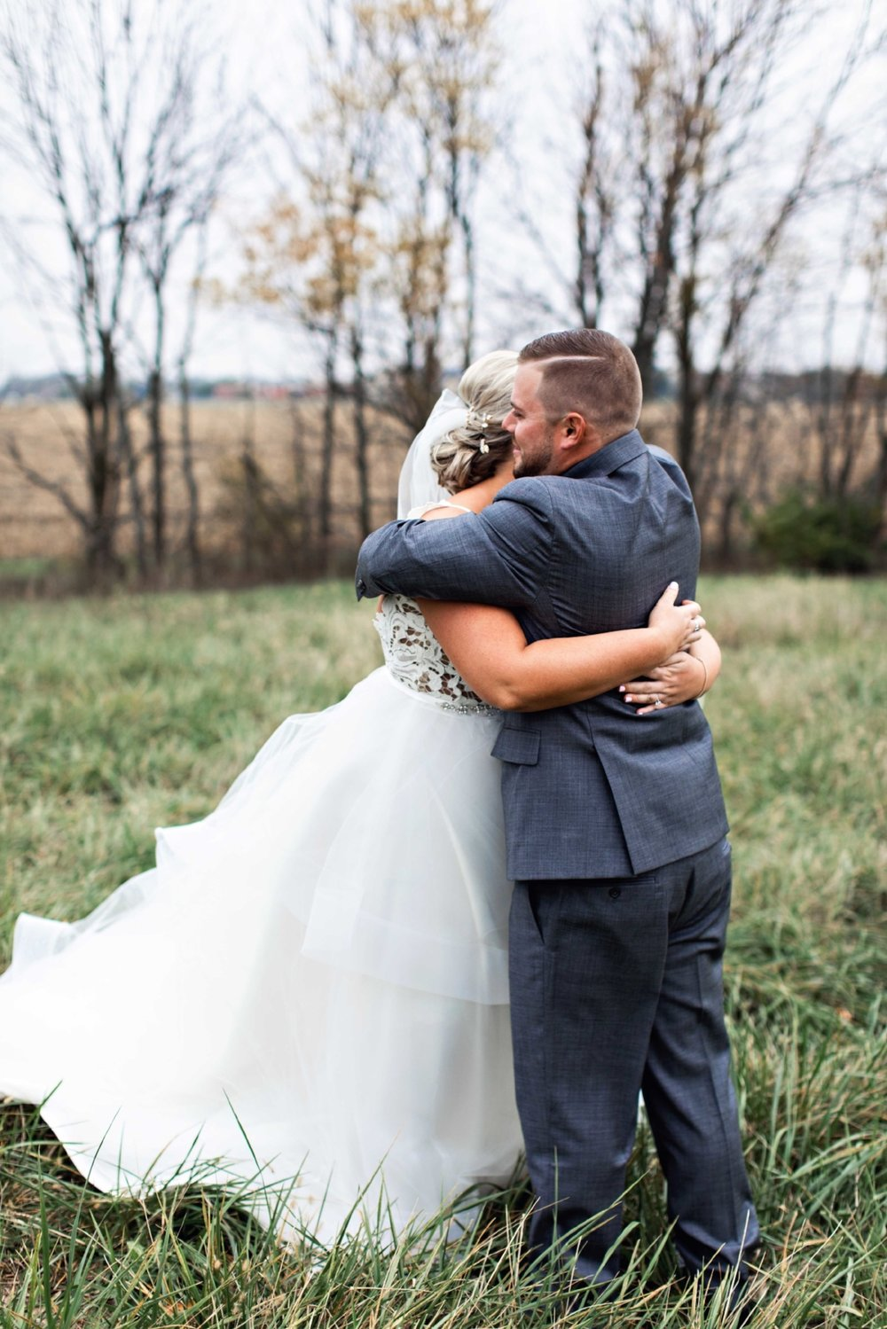 BridesbyYoung-Curvy-BlushHayleyPaige-Madi-Wedding-Inspiration-8.jpg