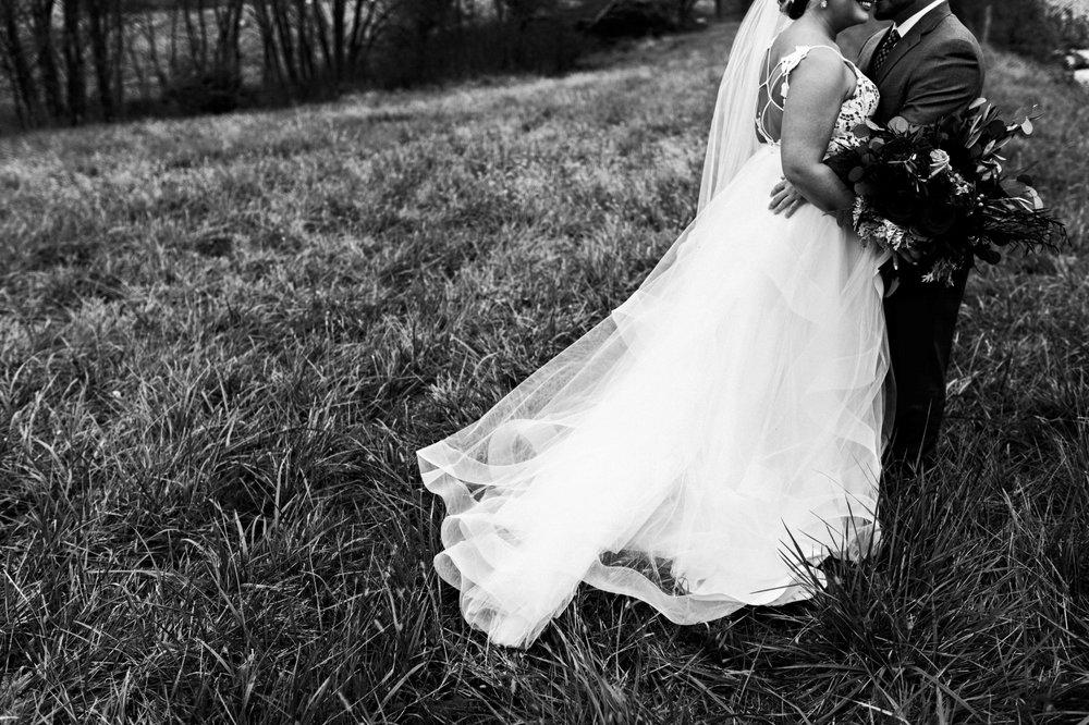 BridesbyYoung-Curvy-BlushHayleyPaige-Madi-Wedding-Inspiration-13.jpg