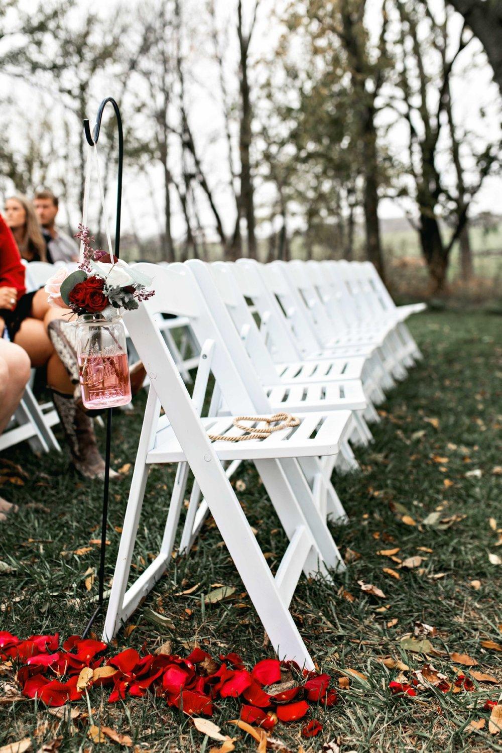 BridesbyYoung-Curvy-BlushHayleyPaige-Madi-Wedding-Inspiration-19.jpg
