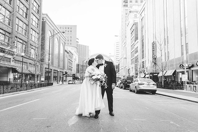 Happy one year anniversary to our #BridesbyYoungRealBride and fellow wedding professional, @emilyventuradesigns! 😘✨ How fast one year flies by! Cheers to many, many more! . . Photography: @ashleywittmerphotography  Day of Coordination: @frameworthyevents  Florist: @oldforestfarm  Gown: exclusive Brides by Young style