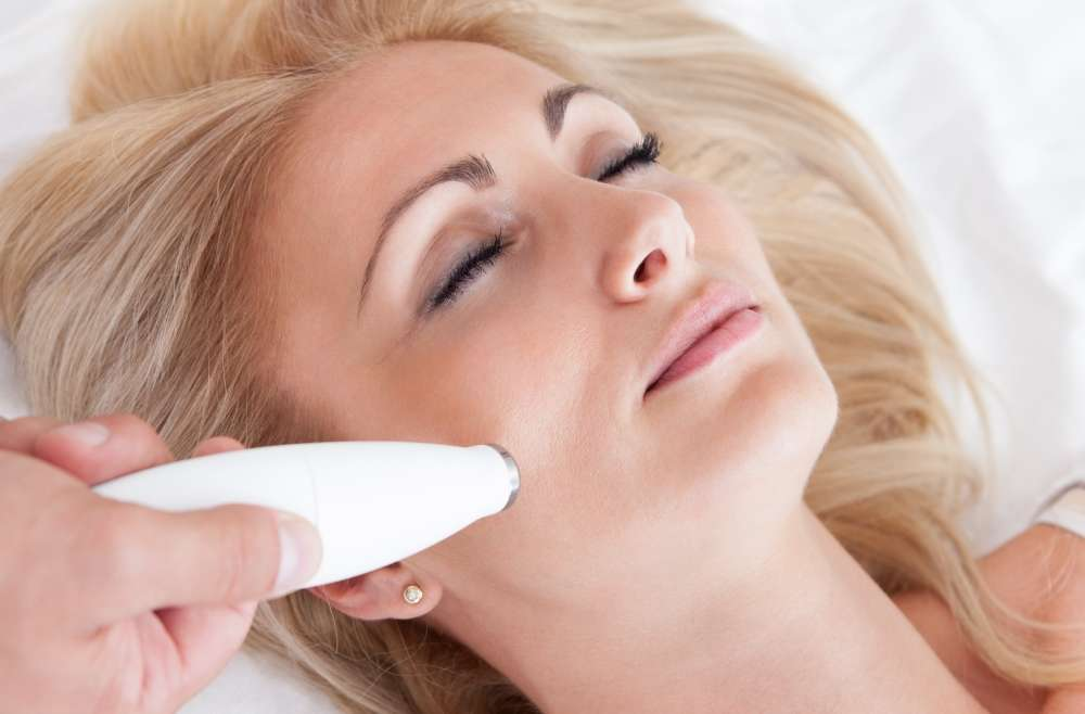 Laser skin rejuvenation - For Wrinkles & Acne Scars