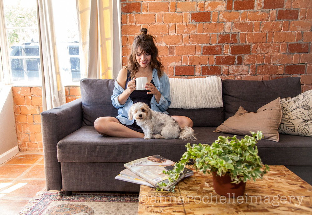 anna rochelle imagery-lifestyle-mothers-daughters-in home-photography-5.jpg