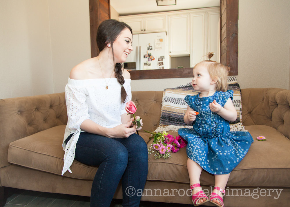 anna rochelle imagery-lifestyle-mothers-daughters-in home-photography-couch.jpg