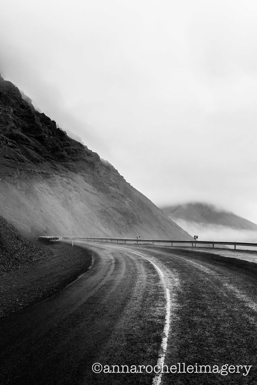 fog-road-strom-summer-iceland-roadtrip.jpg
