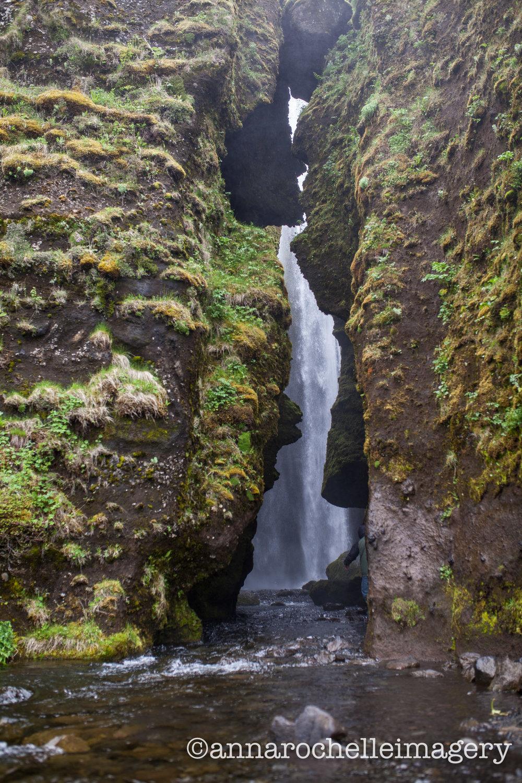 secreat-waterfall-hike-anna-rochelle-imagery.jpg
