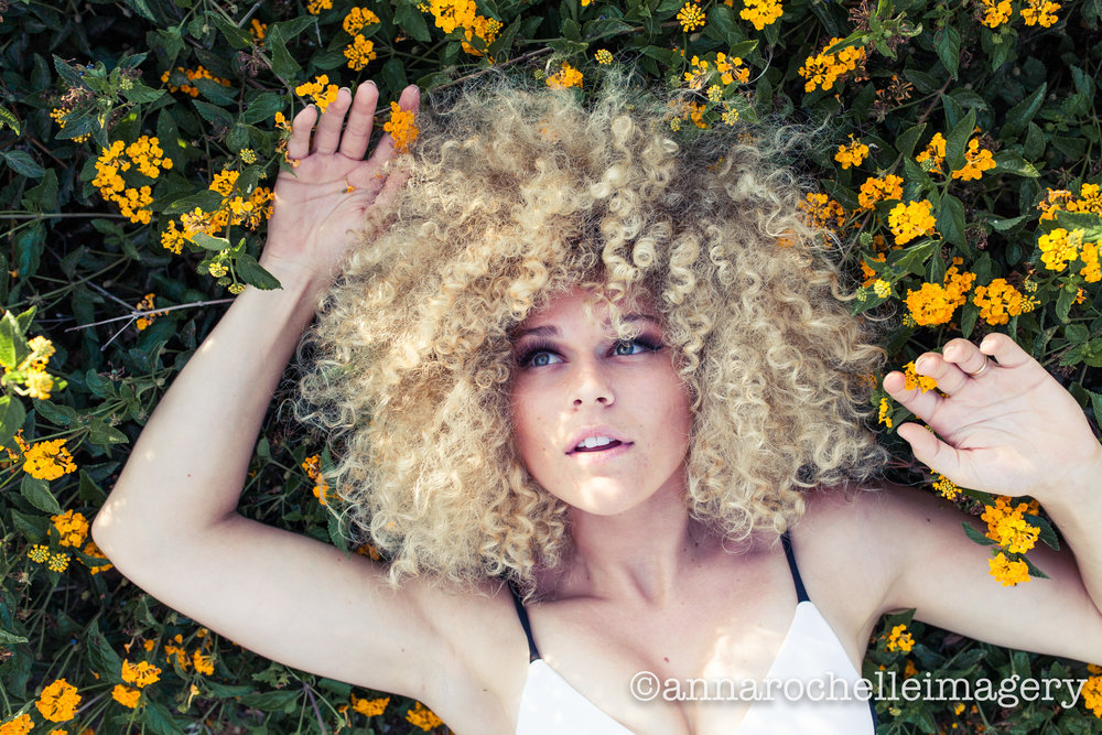 bed-of-flowers-san-diego-model-photographer.jpg