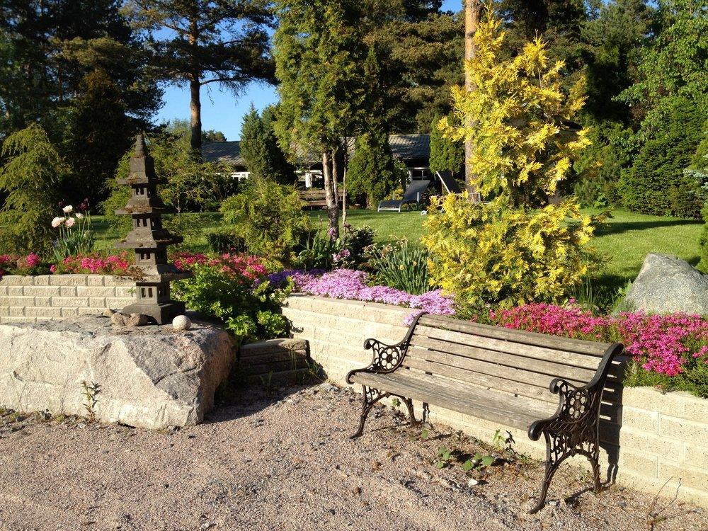 Puutarhavalmennus ja puutarhasuunnittelu -