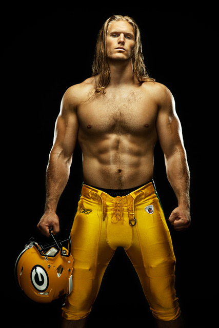 clay-matthews-shirtless