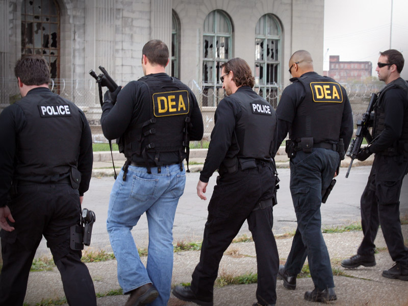 DEA: DEA agents in Detroit, Michigan  Spike TV