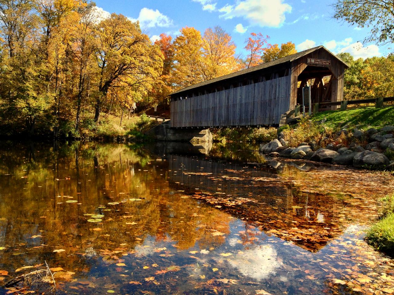 fall-road-trips-2015-michigan-covered-bridge-jpg-rend-tccom-1280-960