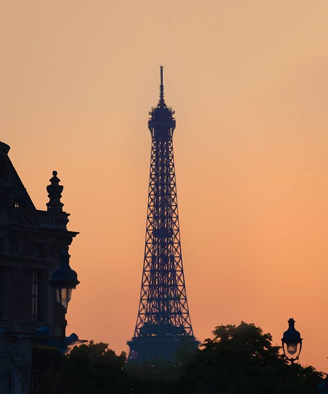 Eiffel Tower en rose 🌹  #parisjetaime #photography_love #parissecrets #thisisparis #paris_vacations #parisfrance #parisweloveyou #pariscityvision #parislove #parisgram #paris_tourisme #france.tourisme #parisphotographer #pariscityguide #unlimitedfrance #mynikonlife #visitparis #travel awesome #nikontop #nikoneurope #sunset #eiffeltower #toureiffel