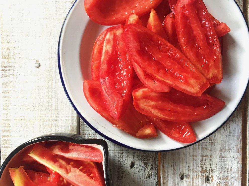 Summery-No-Cook-Tomato-Sauce-Pasta-6.JPG