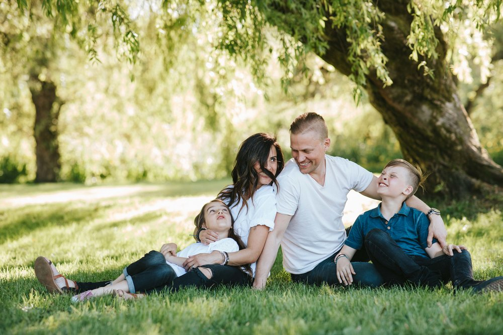 EVA, ARLO, THANASI, + ANIKA Trout Lake Family Photoshoot 2018-05-28  Location: Trout Lake Park  Shot on: Canon 5Div and 6Dii