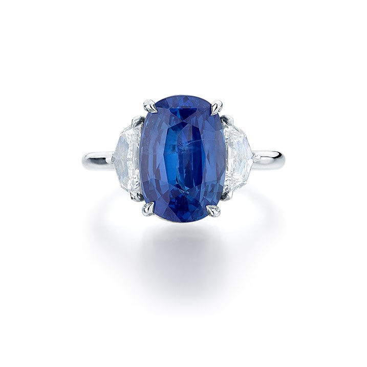QUEEN BLUE TRINITY RING