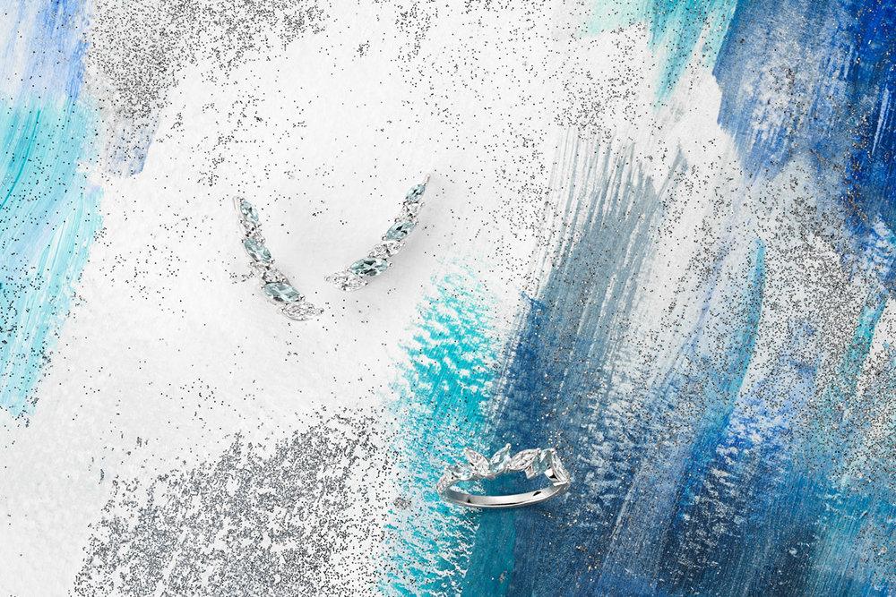 Barrettes dOreilles Diamants Iceberg - $3,075 CAD  &  Bague Iceberg - $1,960 CAD