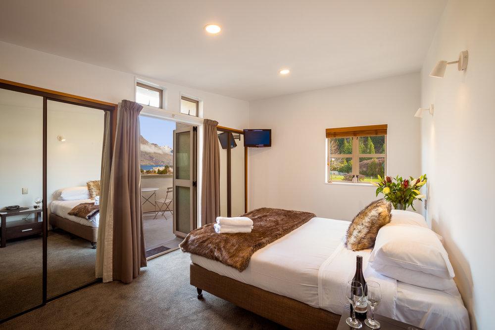 queenstown-3-bedroom-apartment.jpg