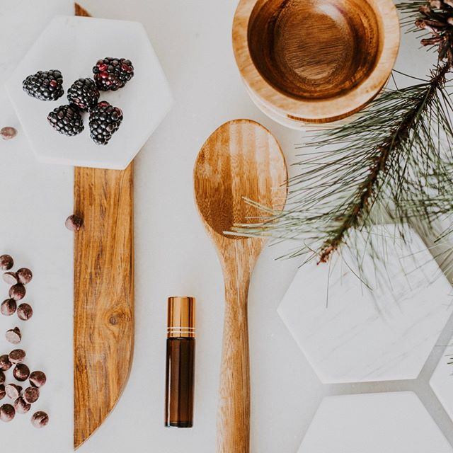 Let's talk about essential oils for cooking🍽⠀⠀⠀⠀⠀⠀⠀⠀⠀ ⠀⠀⠀⠀⠀⠀⠀⠀⠀ There are many oils in doTERRA's range that are suitable for adding to food - when you're out of an ingredient having essential oils to substitute is amazing for convenience and flavour! How often do you buy a bunch of herbs just to discard most of it🤷🏼‍♀️⠀⠀⠀⠀⠀⠀⠀⠀⠀ ⠀⠀⠀⠀⠀⠀⠀⠀⠀ So what oils can you cook with? Basically any oil that comes from a plant that you'd normally eat! You will also find a flavouring label on your essential oil bottle to let you know that it's safe to use that oil with food. If you don't see that on the label please don't go adding it to food😳⠀⠀⠀⠀⠀⠀⠀⠀⠀ ⠀⠀⠀⠀⠀⠀⠀⠀⠀ Here's a snapshot of some of the essential oils you might like to try in your cooking:⠀⠀⠀⠀⠀⠀⠀⠀⠀ ⠀⠀⠀⠀⠀⠀⠀⠀⠀ Citrus oils including Lime, Lemon, Grapefruit & Wild Orange🍊 These are amazing in dips, bliss balls and sweet treats.⠀⠀⠀⠀⠀⠀⠀⠀⠀ ⠀⠀⠀⠀⠀⠀⠀⠀⠀ Spice oils such as Cinnamon, Cassia & Cardamom pack a punch in curries and savoury dishes. Cardamom is also amazing in raw chocolate.⠀⠀⠀⠀⠀⠀⠀⠀⠀ ⠀⠀⠀⠀⠀⠀⠀⠀⠀ And my personal favourites for cooking are the herb oils🌿 Basil, Rosemary, Thyme & Oregano are all amazing added to food! Any dish you'd add fresh herbs to can be enhanced using these herb oils... they are also beautiful in salad dressings and marinades👏⠀⠀⠀⠀⠀⠀⠀⠀⠀ ⠀⠀⠀⠀⠀⠀⠀⠀⠀ Have you cooked with essential oils yet?⠀⠀⠀⠀⠀⠀⠀⠀⠀ .⠀⠀⠀⠀⠀⠀⠀⠀⠀ .⠀⠀⠀⠀⠀⠀⠀⠀⠀ .⠀⠀⠀⠀⠀⠀⠀⠀⠀ .⠀⠀⠀⠀⠀⠀⠀⠀⠀ .⠀⠀⠀⠀⠀⠀⠀⠀⠀ #naturalwellness #naturalmama #naturalliving #plantmagic #toxinfree #nutritioncoach #familyhealth #empoweredhealth #healthyhome #healthyfamily #doterraau #doterraessentialoils #doterraaunz #holisticlifestyle #positiveliving #iinhealthcoach #healthblog #letfoodbethymedicine #nourishyourself #consciouslifestyle #essentialoilsrock #doterralife #healthyhome #doterralove #wellnessblogger #wellnessblog #cleanliving #nontoxicliving #healthmatters #chemicalfreeliving
