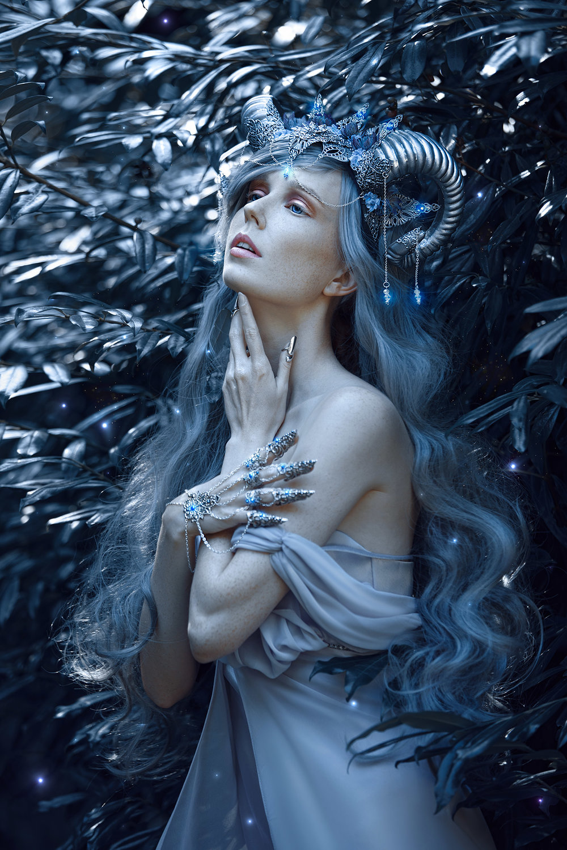grace-almera-lisbeth-berg-ivy-design-horoscope-zodiac-sign.jpg