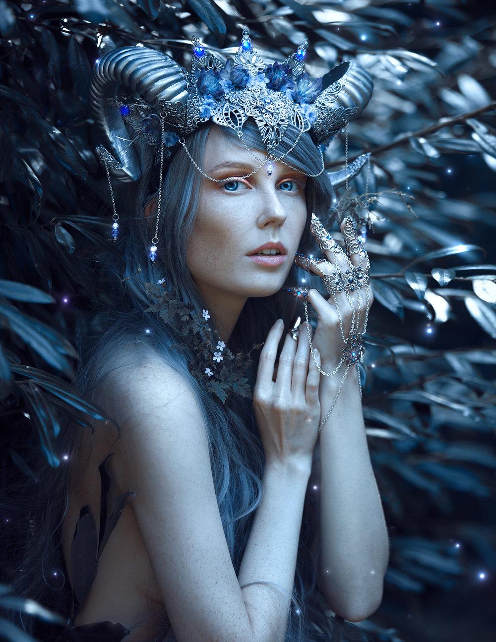 grace-almera-lisbeth-berg-ivy-design-horoscope-zodiac-sign-capricorn.jpg