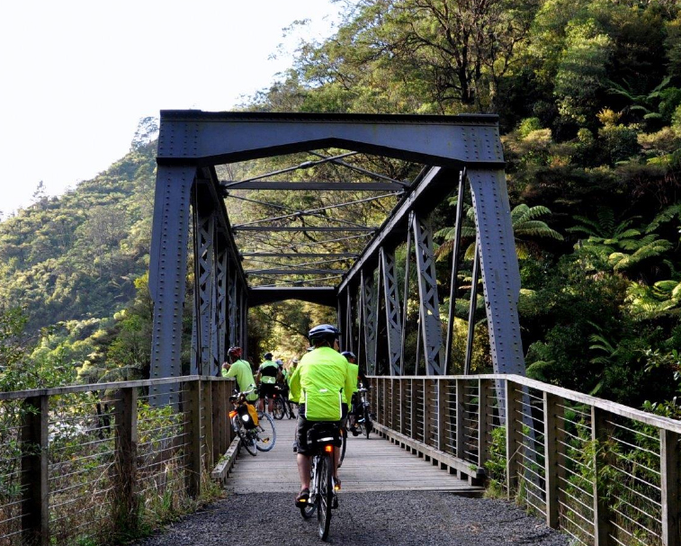HAURAKI RAIL TRAIL  Various start locations  The Hauraki Rail Trail showcases some of the best scenery New Zealand has to offer and is rich in pioneering history. An easy ride, 173km track made up of 5 sections.