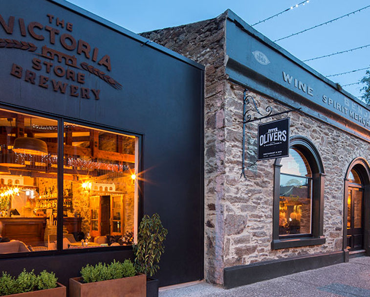 OLIVERS   34 Sunderland St, Clyde   A gastronomic delight in the heart of Clyde.