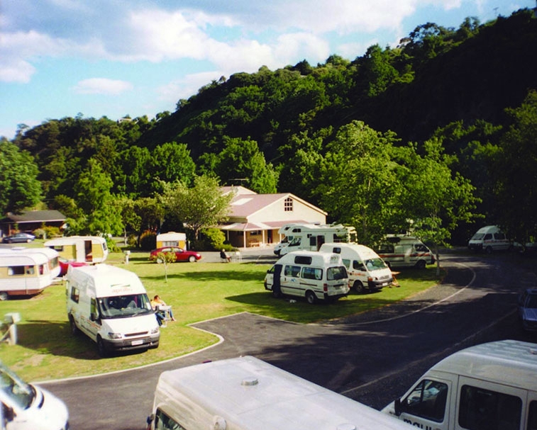 DUNEDIN    Leith Valley Holiday Park 103 Malvern St, Woodhaugh, Dunedin