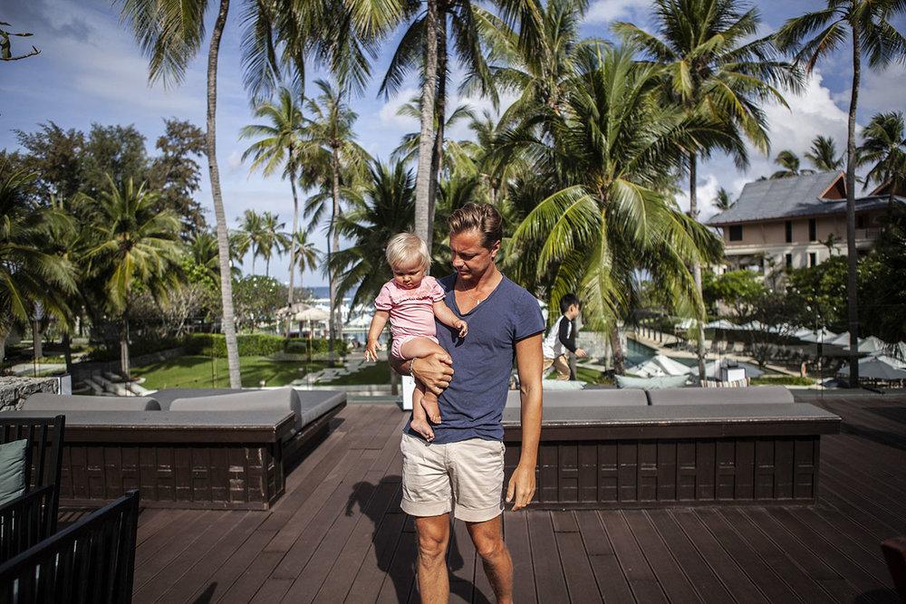 Pappa dotter resa med barn