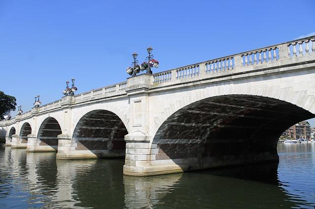 Kingston bridge, london
