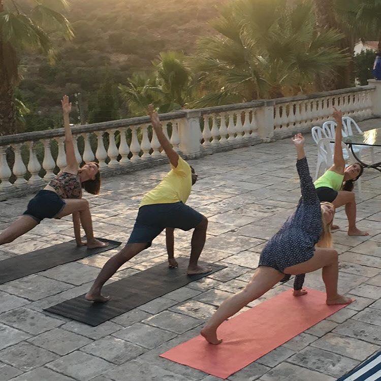 Frankie Yoga (4).jpg