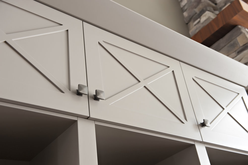 Interior-Design-River-Rd-Custom-Built-In-Grey-Doors