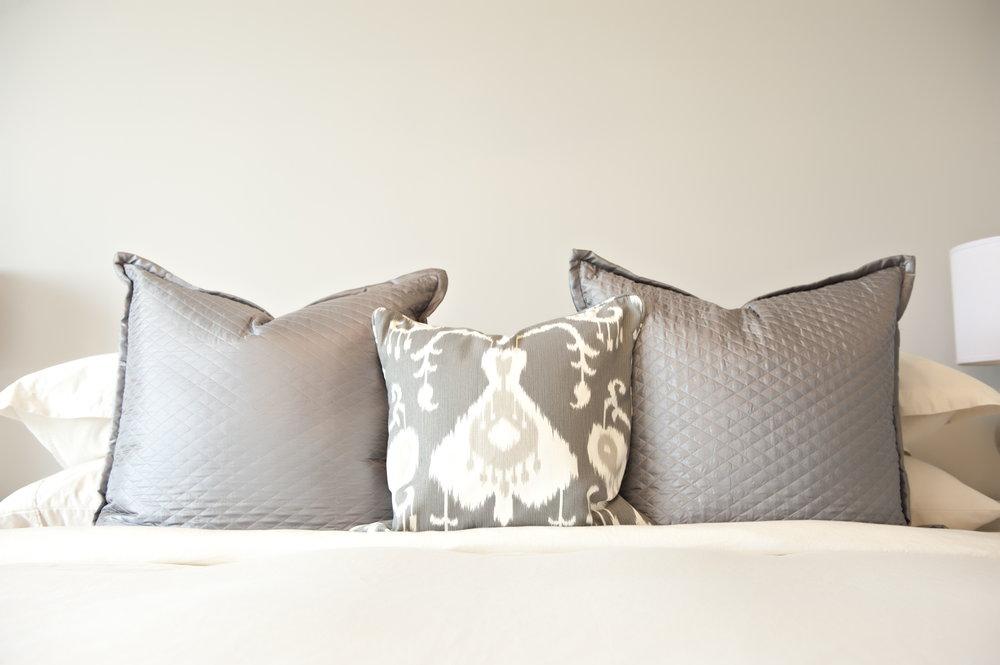 Interior-Design-Bedding-Pillows-Gray