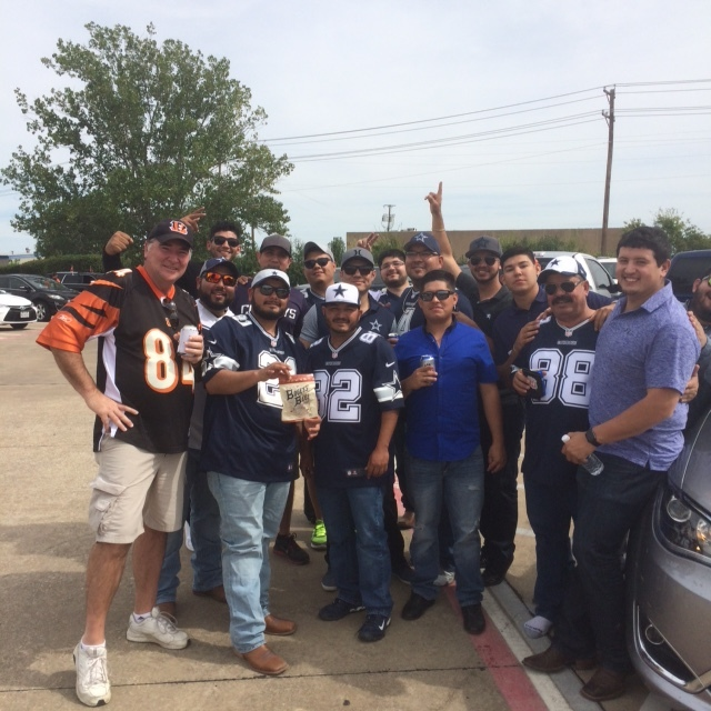 Cousin Jim tames the Dallas fans with Smokey Fire!