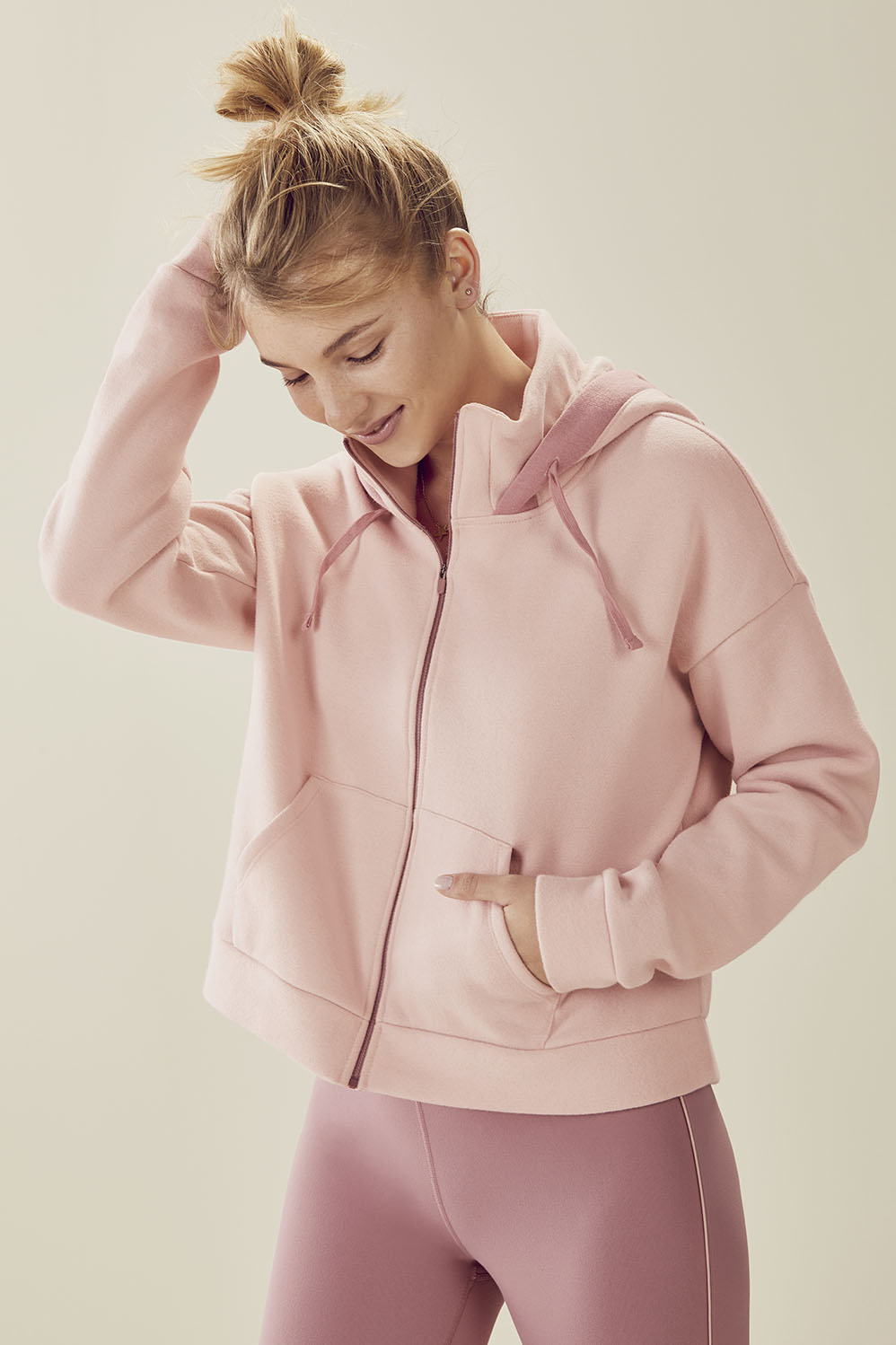 Valeria Cropped Hoodie Demi Lovato Fabletics
