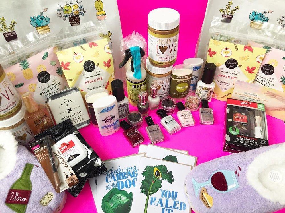 Summer essentials giveaway miss blonde ambition