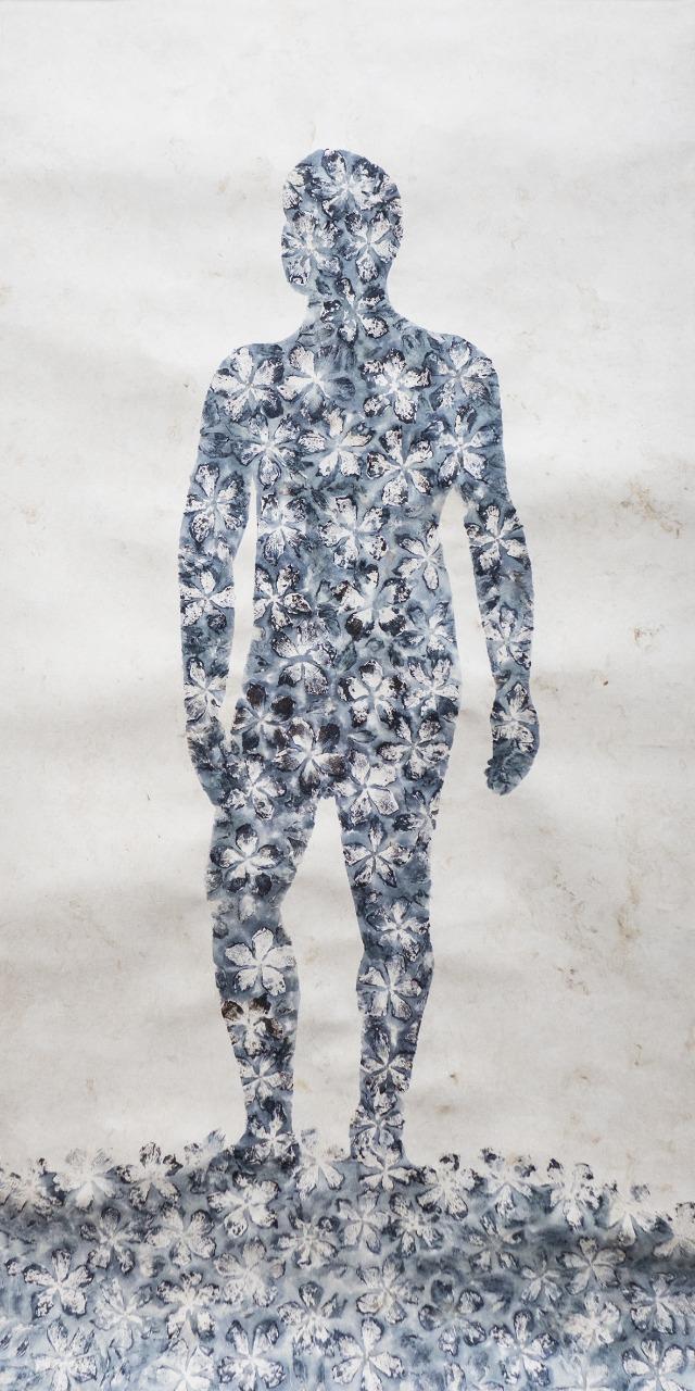 Feel The Nature , 2018  Impresión con Pigmentos Florales sobre Papel Amate de Fabricación Artesanal  240 x 120 cm