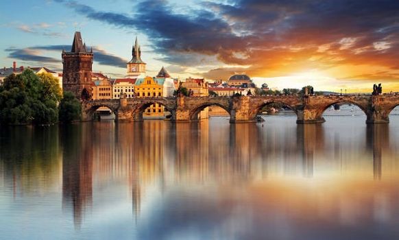 prCharles_Bridge_Prague_Wallpaper-878546273.jpg