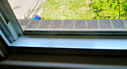 service-window-track-cleaning.jpg