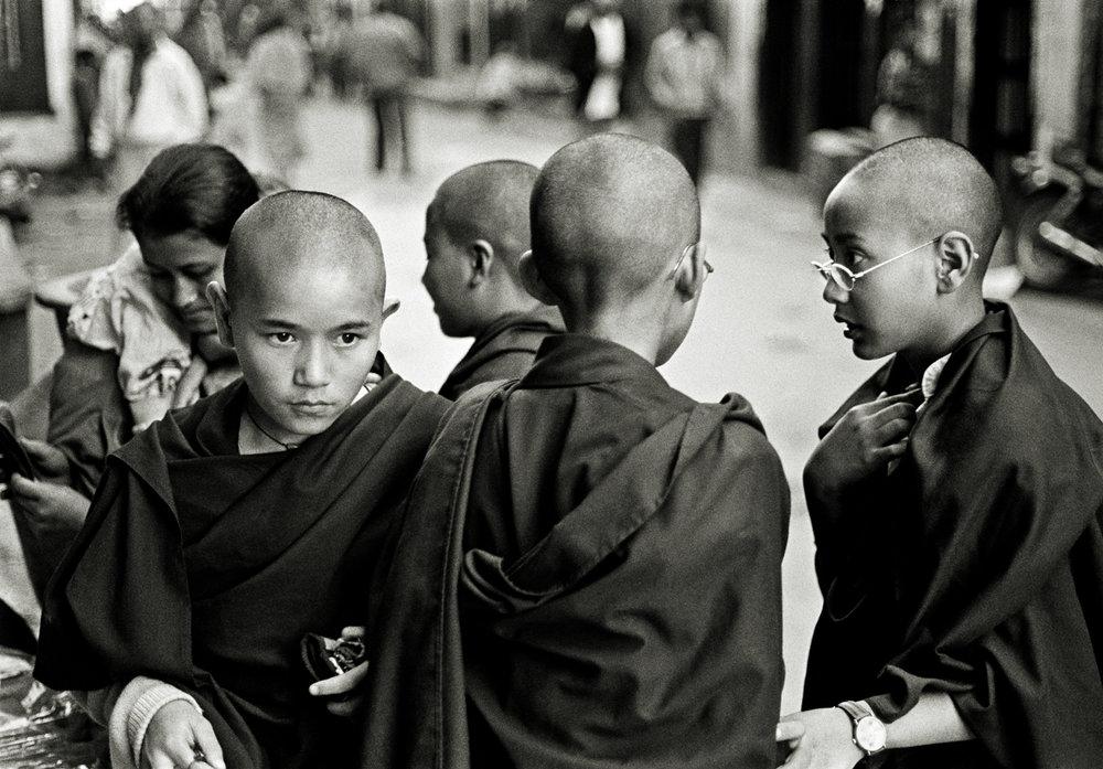 LR-1997_TIBETAN_MONKS_KATHMANDU_NEPAL_©_ANDREW_WAD_PHOTOGRAPHY_LOW_RES.jpg