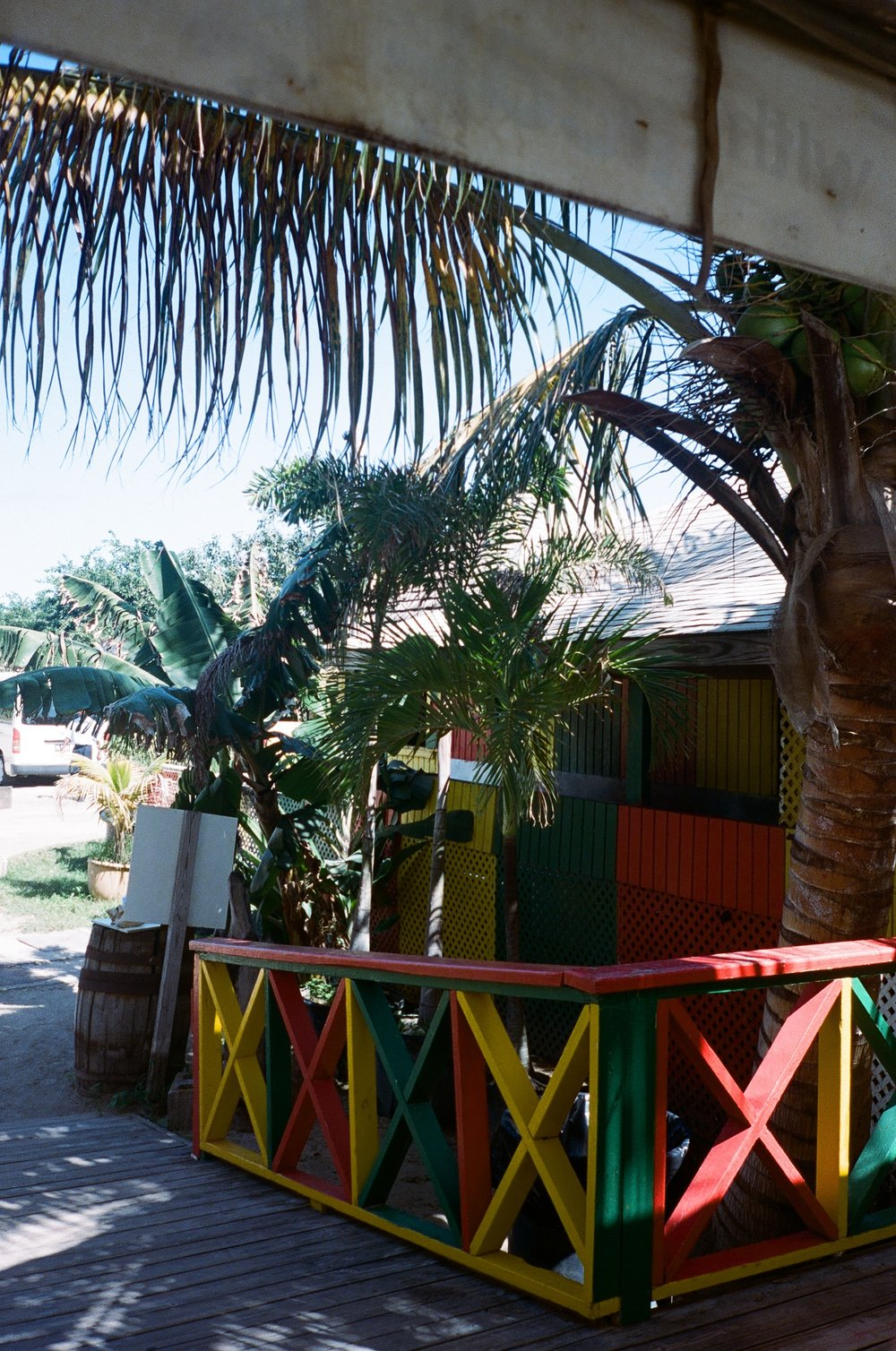 Reggae beach bar.JPG