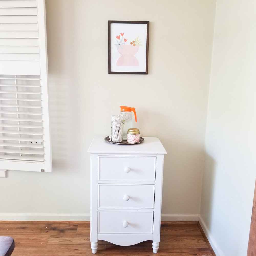 Once I added this little artwork by  @shopelizabethedwards  the dining room really seemed to come together. This is the fourth item I have tried hanging on the wall since we have moved in and absolutely love it!