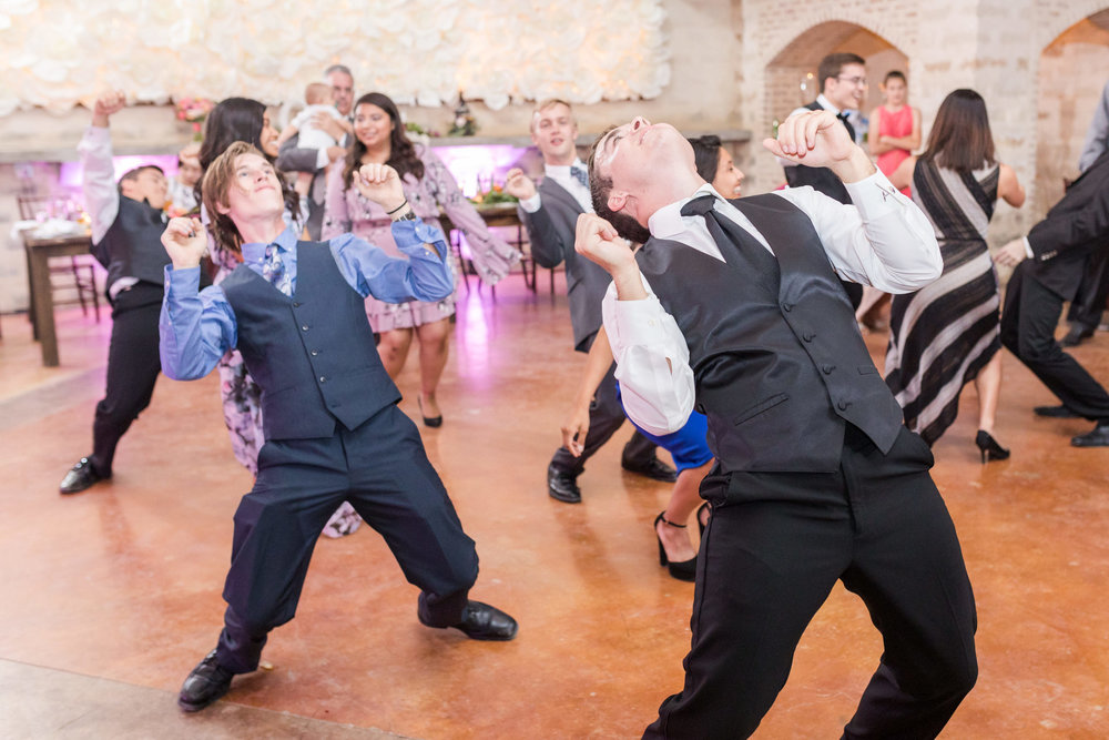 Wedding-at-the-Oaks-at-Heavenly-Dawn-Elizabeth-Studios-0124.jpg