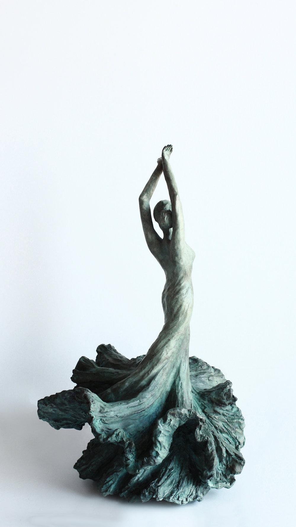 Manuela - Envolée - Bronze.jpg