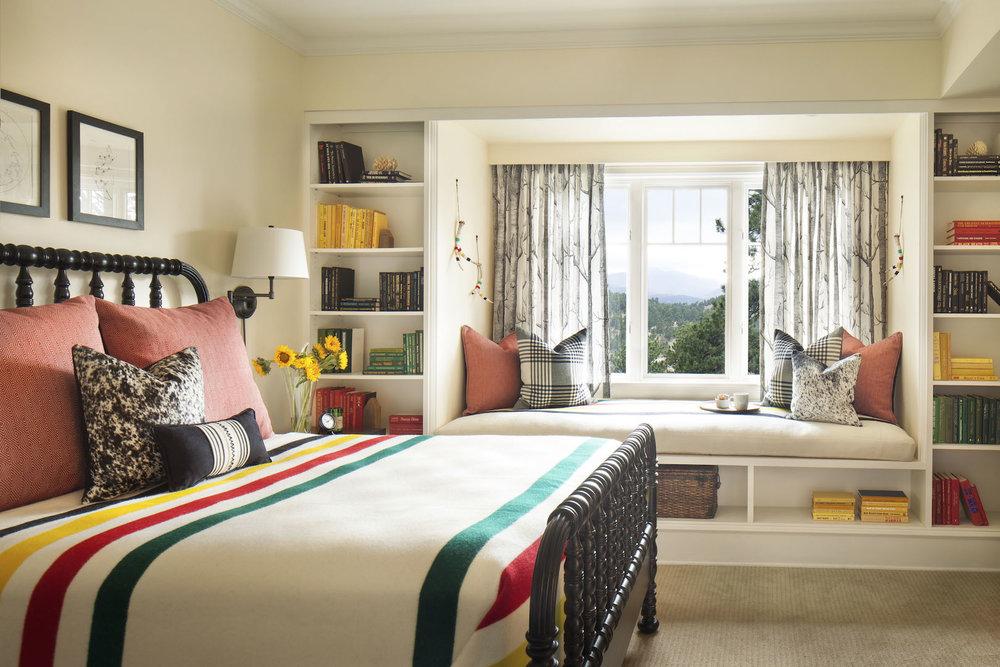 mountian-home-bedroom.jpg
